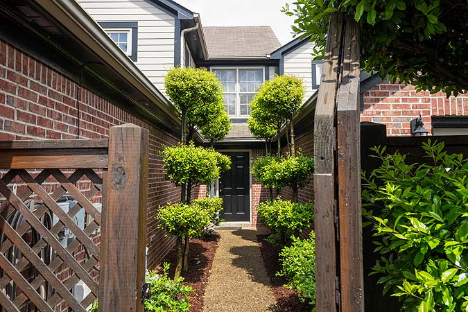 Photo of the entry to a Townhome in Louisville, KY