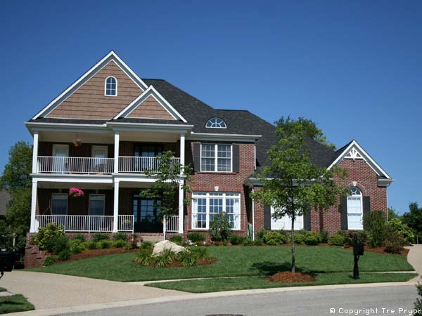 Photo of home in Summer - Best month to sell your house article