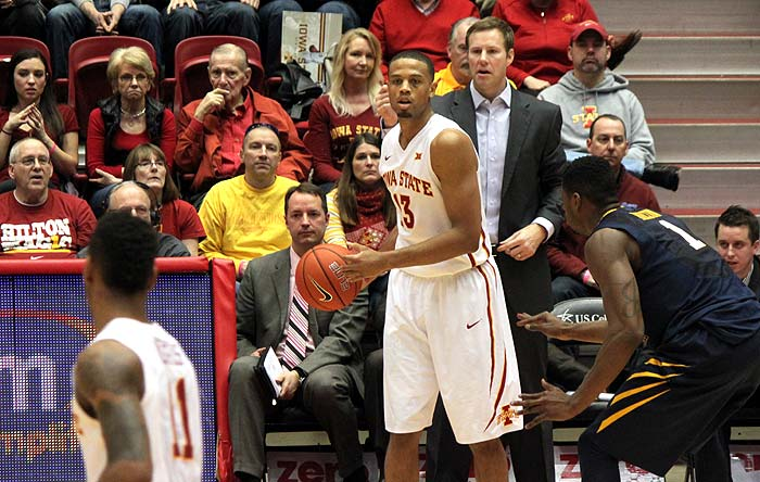 Photo of Iowa St basketball players