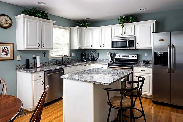 Photo of a kitchen with new Energy Star appliances